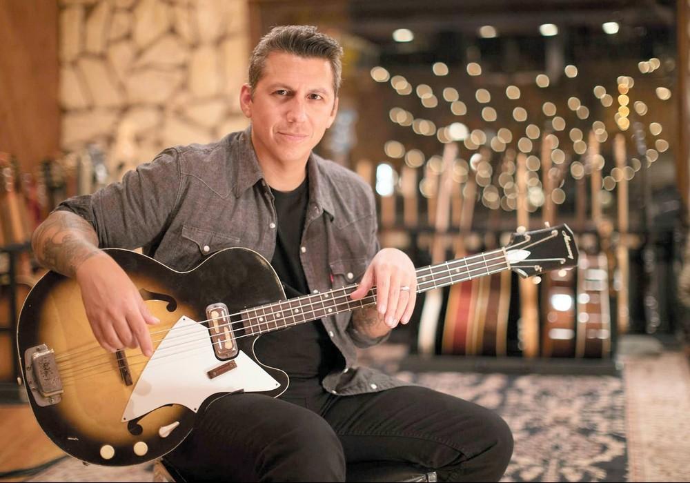 Mike Elizondo: Creating an Atmosphere